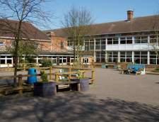 Escuelas de Inglés en Peterborough: EC English Language Schools: Cambridge (Junior)