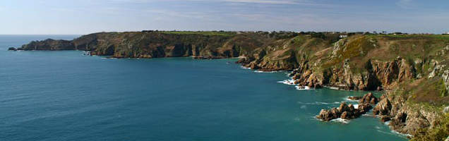 English courses in Guernsey with Language International