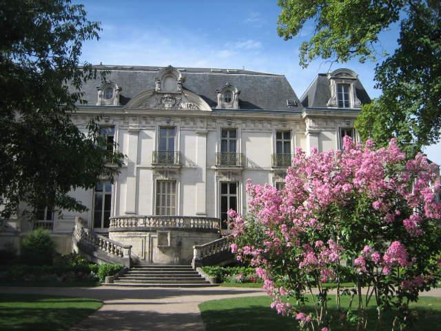 Institut De Touraine Tours France Reviews Language
