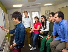 English schools in London: Kaplan International:  London - Leicester Square 30+