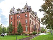 Sekolah Inggris di Boston: Embassy English: Tufts University (Junior)