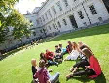 런던에 있는 영어 학교: Embassy English: University College London (Junior)