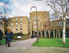 Chatham'da İngilizce okulları: Embassy English: Canterbury, University of Kent (Junior)