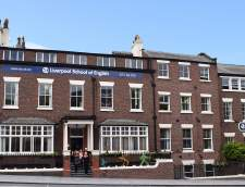 Scuole di Inglese a Warrington: Liverpool School of English