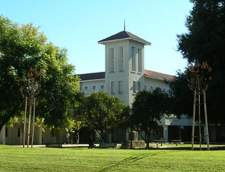 在洛杉矶的英语学校: ELS Language Centers at the University of La Verne: La Verne (CA)