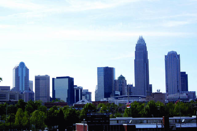 Mayores de cuarenta en Charlotte y en el resto del mundo.