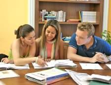 italian koulut Salernossa: Accademia Leonardo