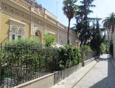 Школи іспанської мови в Барселоні: Linguaschools Barcelona