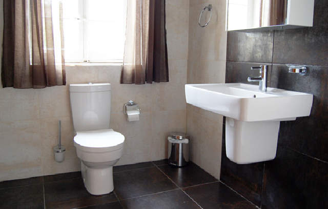 toilet dating inggris sinopsis ægteskab uden dating ep 10 del 1
