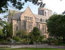 English schools in Toronto: CISS St Michael's