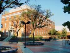 在纽约州皇后区的英语学校: Saint Peter's University