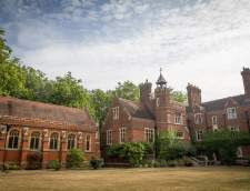 Escuelas de Inglés en Peterborough: Studio Cambridge Sir Christopher Camp