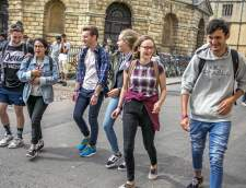 English schools in Oxford: Oxford Spires International