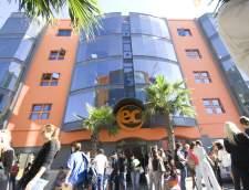 englannin koulut St. Juliansissa: EC English Language Schools: Malta 30+