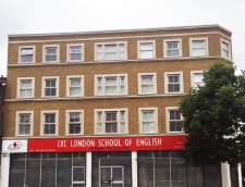 Sekolah Inggris di Burchetts Green: LVC London School of English