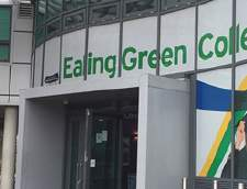 Sekolah Inggris di Burchetts Green: Language Studies International (LSI): London Ealing (Junior)
