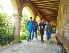 English schools in Cambridge: St Giles Junior Summer Course Cambridge