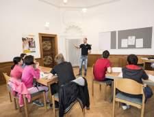 在法兰克福的德语学校: Medieval Castle Hohensolms