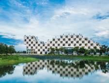 englannin koulut Hanoissa: FPT University