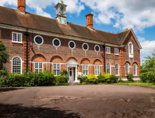 Sekolah Inggris di Burchetts Green: International College of English ST ALBANS