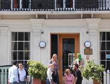 Училища по английски език в Chatham: EC English Language Schools: London - UCL (Junior)